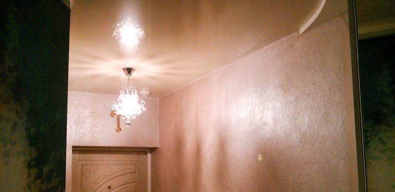 фото натяжной потолок в коридоре